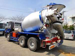 Big Thumb Mixer Truck_2