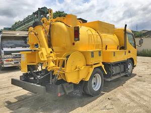 Dutro High Pressure Washer Truck_2