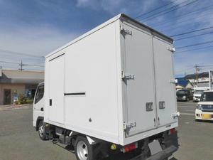 Canter Guts Refrigerator & Freezer Truck_2