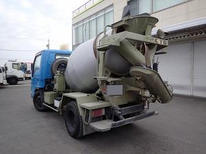Elf Mixer Truck_2