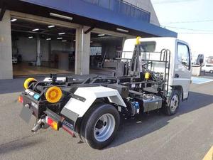 Canter Hook Roll Truck_2