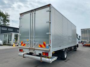 Condor Aluminum Van_2