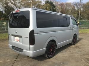 Hiace Box Van_2