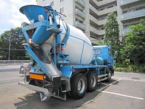 Big Thumb Mixer Truck_2