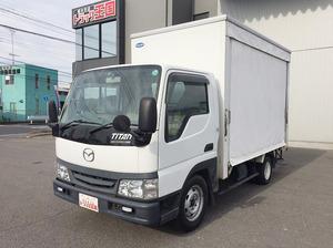 Titan Dash Truck with Accordion Door_1