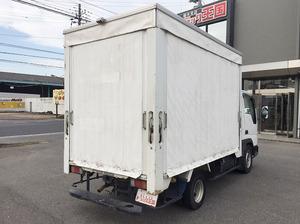 Titan Dash Truck with Accordion Door_2