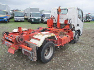 Dutro Arm Roll Truck_2