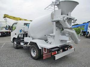Dutro Mixer Truck_2